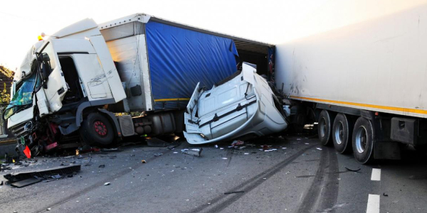 truck accident lawyers - 18 wheeler crash attorney